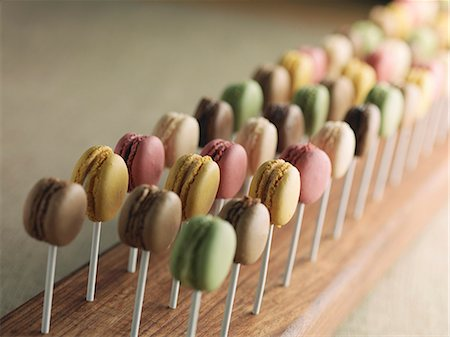 Lots of macaroons on sticks Stock Photo - Premium Royalty-Free, Code: 659-07739189