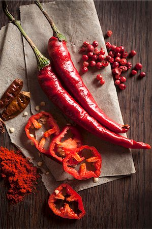 spicy - Chillis: peppers, dried, powder and peppercorns Stock Photo - Premium Royalty-Free, Code: 659-07739623