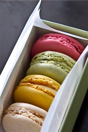 sweet - Colourful macaroons in a gift box Stock Photo - Premium Royalty-Free, Code: 659-07958389