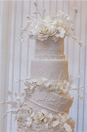 decoration - An artistically decorated wedding cake with elaborate flower decorations Stock Photo - Premium Royalty-Free, Code: 659-07959852