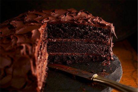 Creamy chocolate cake Stock Photo - Premium Royalty-Free, Code: 659-08146988