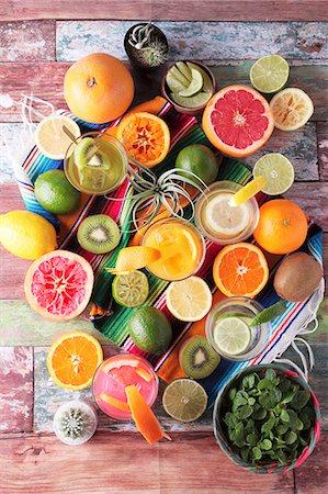 Various margaritas and fresh fruit Stock Photo - Premium Royalty-Free, Code: 659-08147164