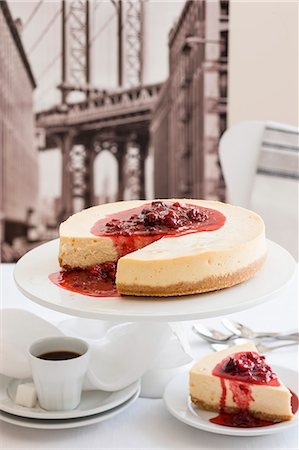New York cheesecake and coffee (USA) Stock Photo - Premium Royalty-Free, Code: 659-08147730