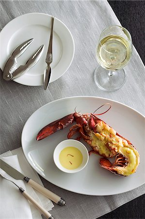 Gratinated lobster with saffron sauce Stock Photo - Premium Royalty-Free, Code: 659-08148119