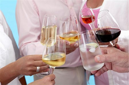 People raising glasses of various different drinks Foto de stock - Sin royalties Premium, Código: 659-08148121