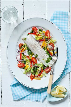 Steamed cod fillet with salad Stock Photo - Premium Royalty-Free, Code: 659-08418997