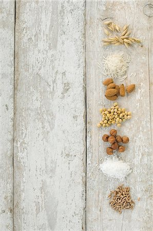 Grains, nuts and soya for making lactose-free milk Stock Photo - Premium Royalty-Free, Code: 659-08419973