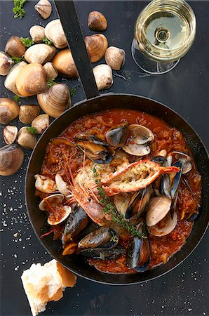 french (places and things) - Bouillabaisse in a pan Stock Photo - Premium Royalty-Free, Code: 659-08420098