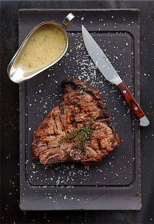 rectangle - Grilled T-bone steak with gravy Stock Photo - Premium Royalty-Free, Code: 659-08420121