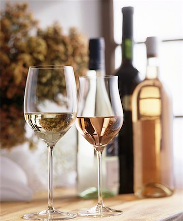 Still life with white wine and rosé wine Stock Photo - Premium Royalty-Free, Code: 659-01850056