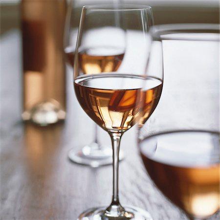 Glasses of rosé wine Stock Photo - Premium Royalty-Free, Code: 659-01850386