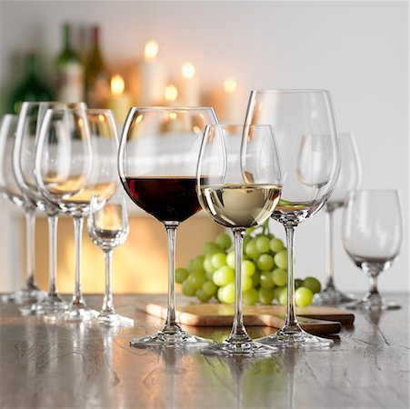 Still life with red and white wine in glasses Stock Photo - Premium Royalty-Free, Code: 659-01853072