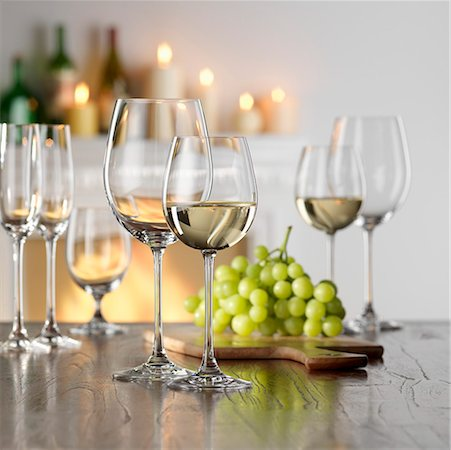Still life with white wine in glass Stock Photo - Premium Royalty-Free, Code: 659-01853073