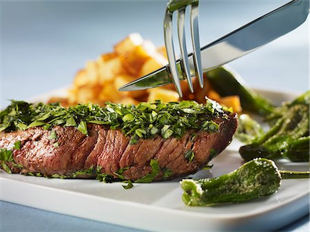 pimento - Steak coated in herbs with Pimientos de Padron Stock Photo - Premium Royalty-Free, Code: 659-03534024