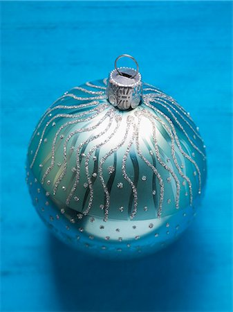 Blue Christmas bauble Stock Photo - Premium Royalty-Free, Code: 659-03536541