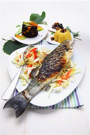 Branzino alla griglia (Grilled sea bass with vegetables, Italy) Stock Photo - Premium Royalty-Free, Code: 659-03537073