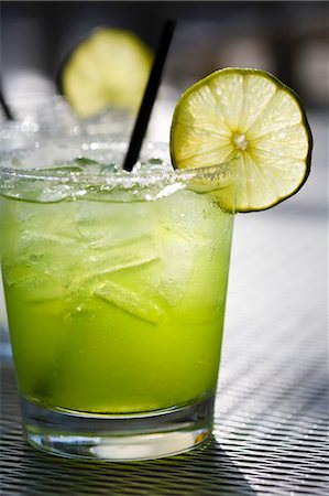 Margarita on the Rocks with Lime Slice Stock Photo - Premium Royalty-Free, Code: 659-03531727