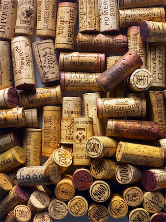 Corks from bottles of vintage wine Stock Photo - Premium Royalty-Free, Code: 652-02222200