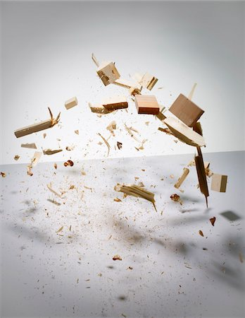 exploding - Wood exploding into pieces Stock Photo - Premium Royalty-Free, Code: 653-05976713