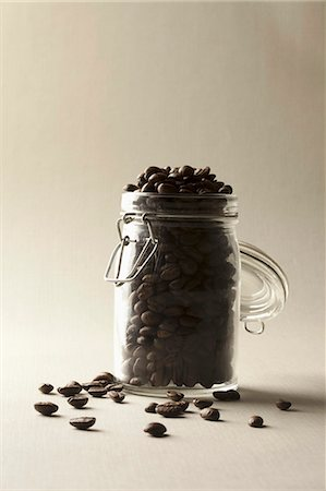 A jar of coffee beans Stock Photo - Premium Royalty-Free, Code: 653-06534267