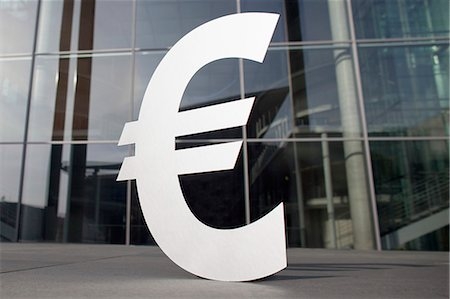 Euro symbol outside office building Stock Photo - Premium Royalty-Free, Code: 653-08126106