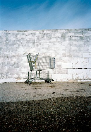 empty shopping cart - Empty shopping cart Stock Photo - Premium Royalty-Free, Code: 653-01654411