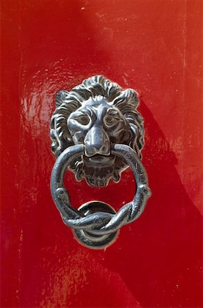 Door knocker with a lion's head Stock Photo - Premium Royalty-Free, Code: 653-01664109