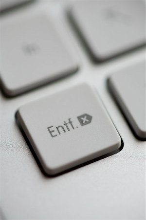 Extreme close up of delete key on a German keyboard Stock Photo - Premium Royalty-Free, Code: 653-02079449
