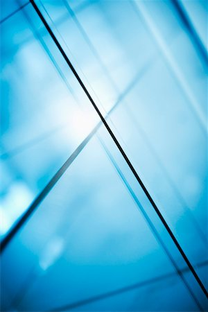 Abstract intersecting lines on a glass surface Stock Photo - Premium Royalty-Free, Code: 653-03706399