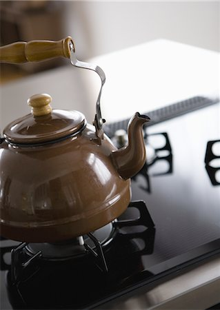 stove - Kettle on stovetop Stock Photo - Premium Royalty-Free, Code: 669-03708507