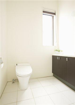 Toilet Stock Photo - Premium Royalty-Free, Code: 669-03708527