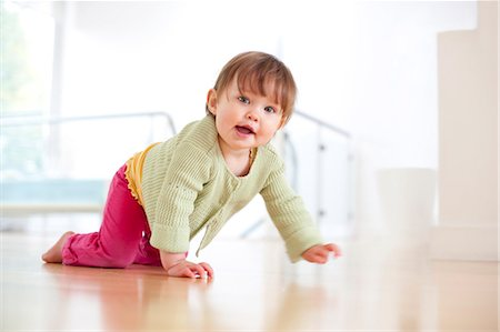 Toddler crawling Stock Photo - Premium Royalty-Free, Code: 679-04249929