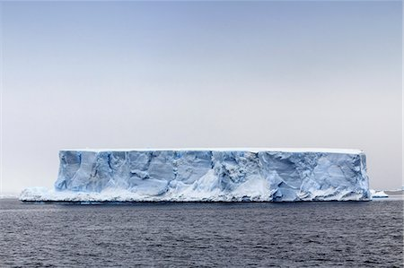 Tabular Iceberg, Antarctica. Stock Photo - Premium Royalty-Free, Code: 679-07607858