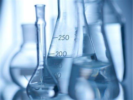 Laboratory glassware containing liquids. Stock Photo - Premium Royalty-Free, Code: 679-08173329
