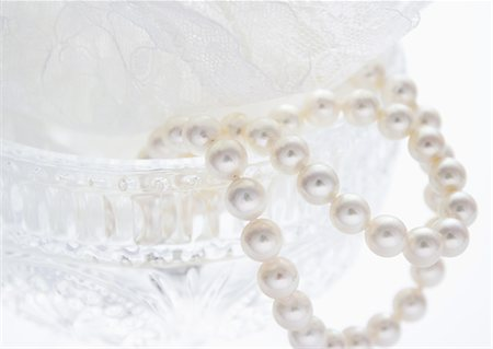 femininity - Pearls Stock Photo - Premium Royalty-Free, Code: 670-06450366