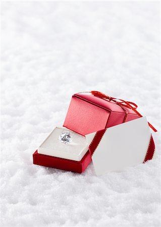 Jewel in gift box Stock Photo - Premium Royalty-Free, Code: 670-03734435
