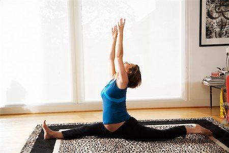 Pregnant woman practicing yoga Stock Photo - Premium Royalty-Free, Code: 673-02142064