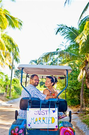 Couple on honeymoon in mexico Stock Photo - Premium Royalty-Free, Code: 673-03405641