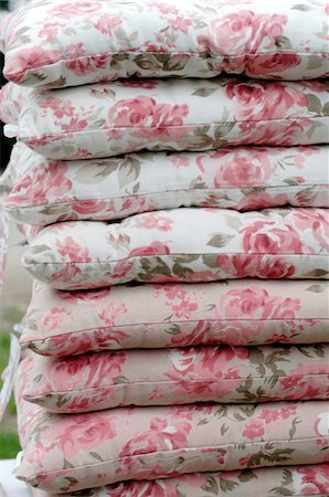 floral pattern - Stack of chair cushions with floral pattern Stock Photo - Premium Royalty-Free, Code: 689-05610163