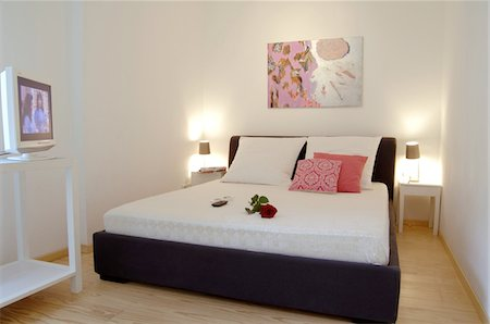 floral pattern - Modern bedroom Stock Photo - Premium Royalty-Free, Code: 689-05610275
