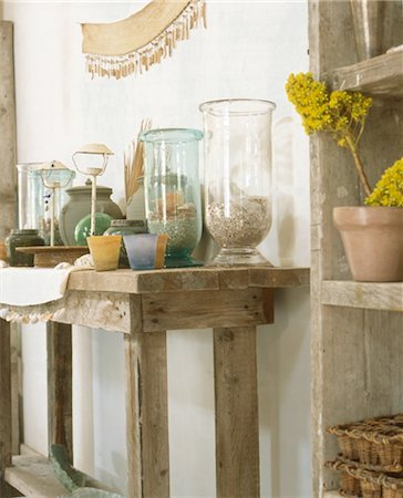 Shelf with glasses Stock Photo - Premium Royalty-Free, Code: 689-05610412