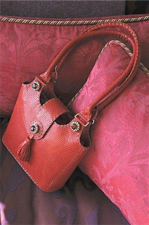 Red handbag Stock Photo - Premium Royalty-Free, Code: 689-05610680