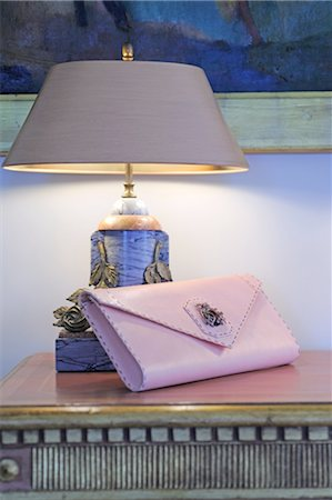 Handbag and lamp on dresser Stock Photo - Premium Royalty-Free, Code: 689-05610956