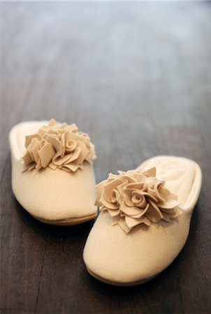 decorative - Pair of felt slippers Stock Photo - Premium Royalty-Free, Code: 689-05611299