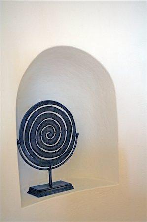 spiral - Spiral sculpture in a niche Stock Photo - Premium Royalty-Free, Code: 689-05611674