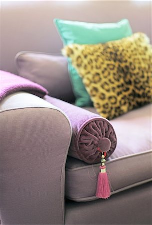 Cushion on couch Stock Photo - Premium Royalty-Free, Code: 689-05612089