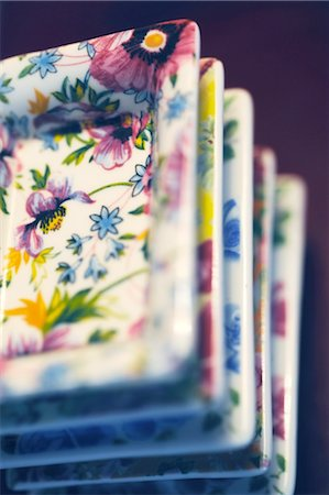 decorative - Stack of plates with floral pattern Stock Photo - Premium Royalty-Free, Code: 689-05612118