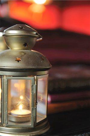 Lantern with burning candle Stock Photo - Premium Royalty-Free, Code: 689-05612438