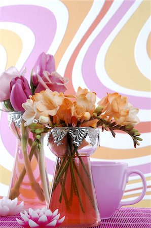 Two flower bouquets with roses, tulips and freesia Stock Photo - Premium Royalty-Free, Code: 689-05612597