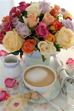 rose patterns - Bunch of flowers and coffee set on dining table Stock Photo - Premium Royalty-Free, Code: 689-05612692